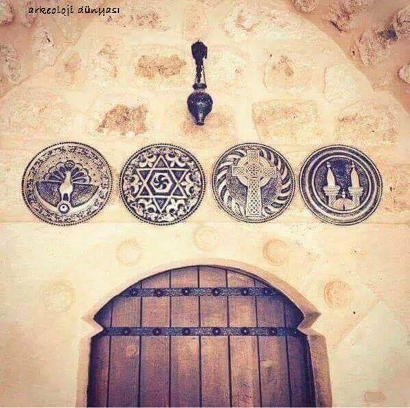 Mardin'de bir evin kapısı! İbret al insanoğlu